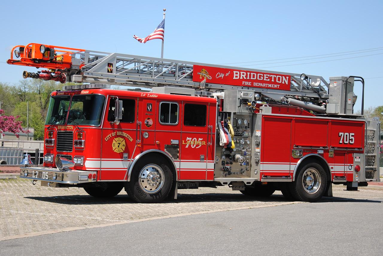 Bridgeton Fire Department, Bridgeton Ladder 7-05
