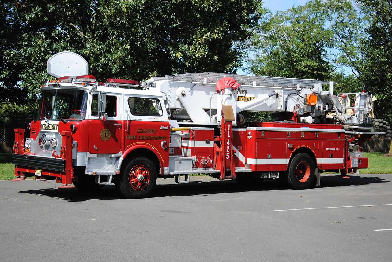 Protection Fire Company #1, Keasbey Ex-Ladder 425