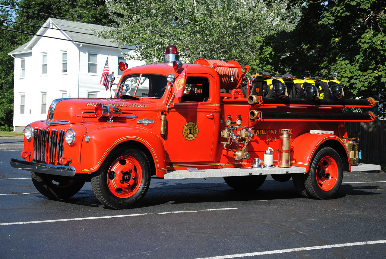 Adelphia Fire Company Engine 19-2-77