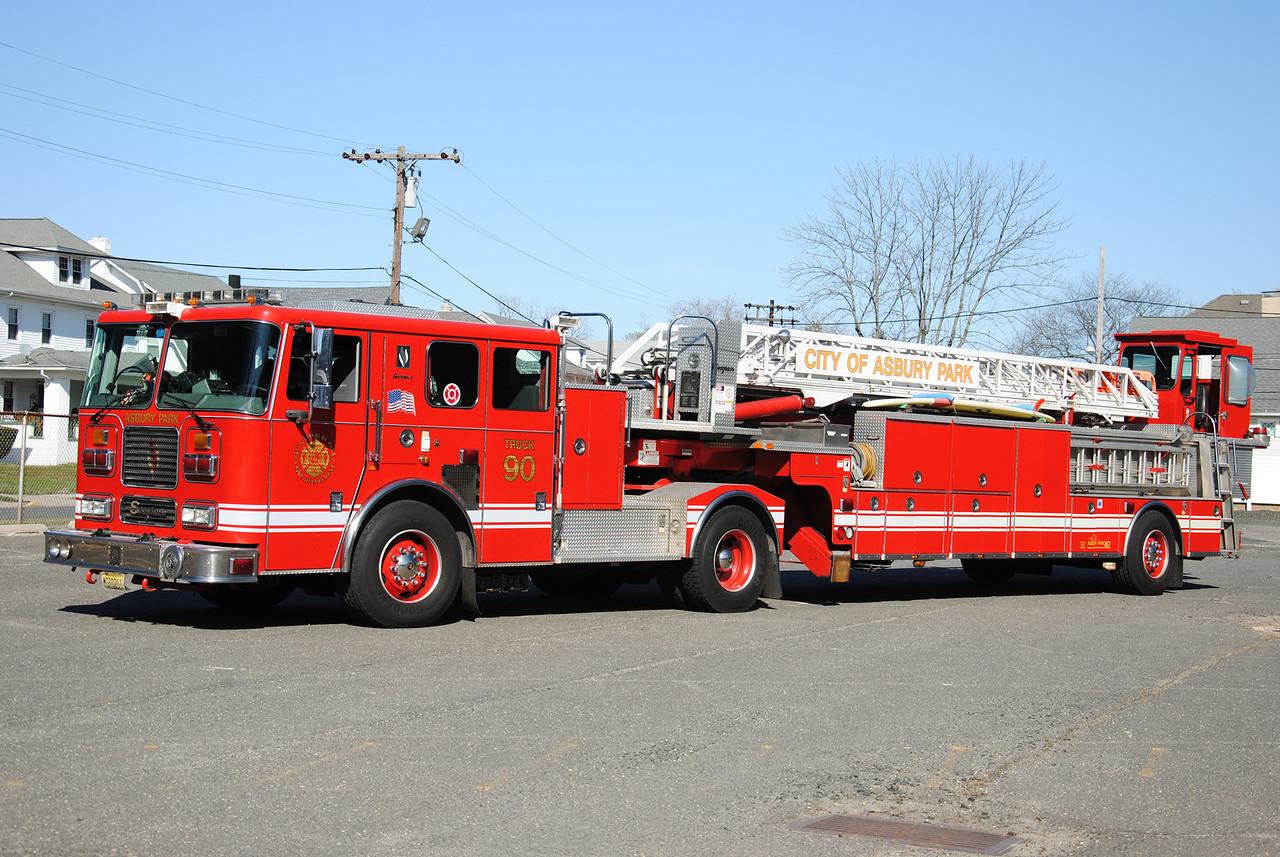 Asbury Park Fire Department, Asbury Park Truck 83-90