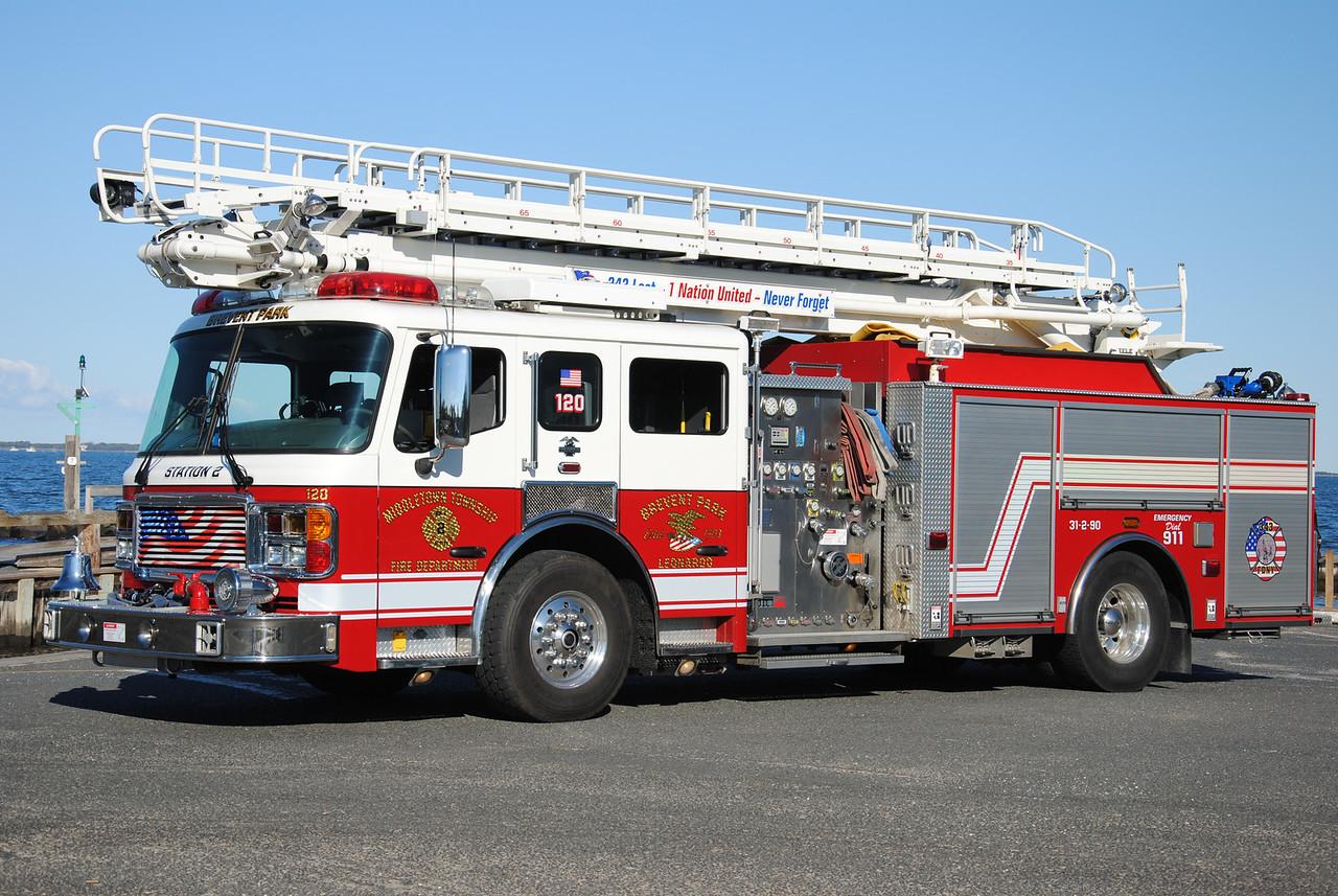 Ex-Brevent Park & Leonardo Fire Company Squirt 31-2-90
