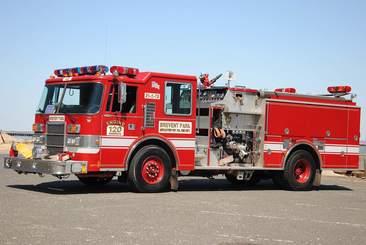 Ex-Brevent Park Fire Company Engine 31-2-75