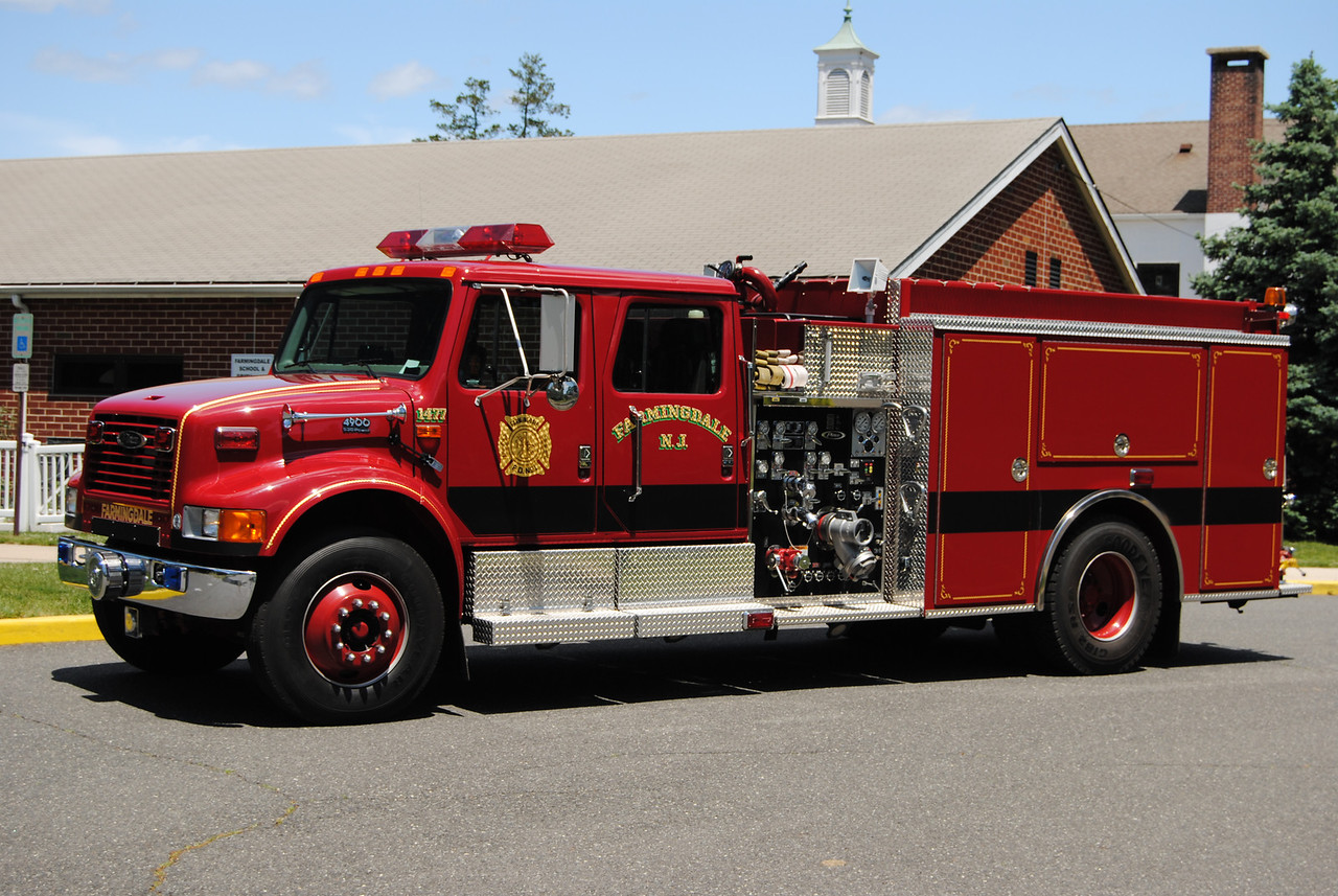 Farmingdale Fire Department #1 Engine 14-77