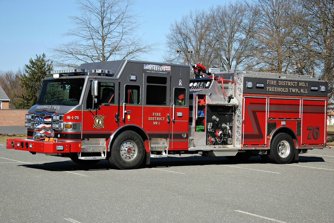 Freehold Independent Fire Company Engine 16-1-76