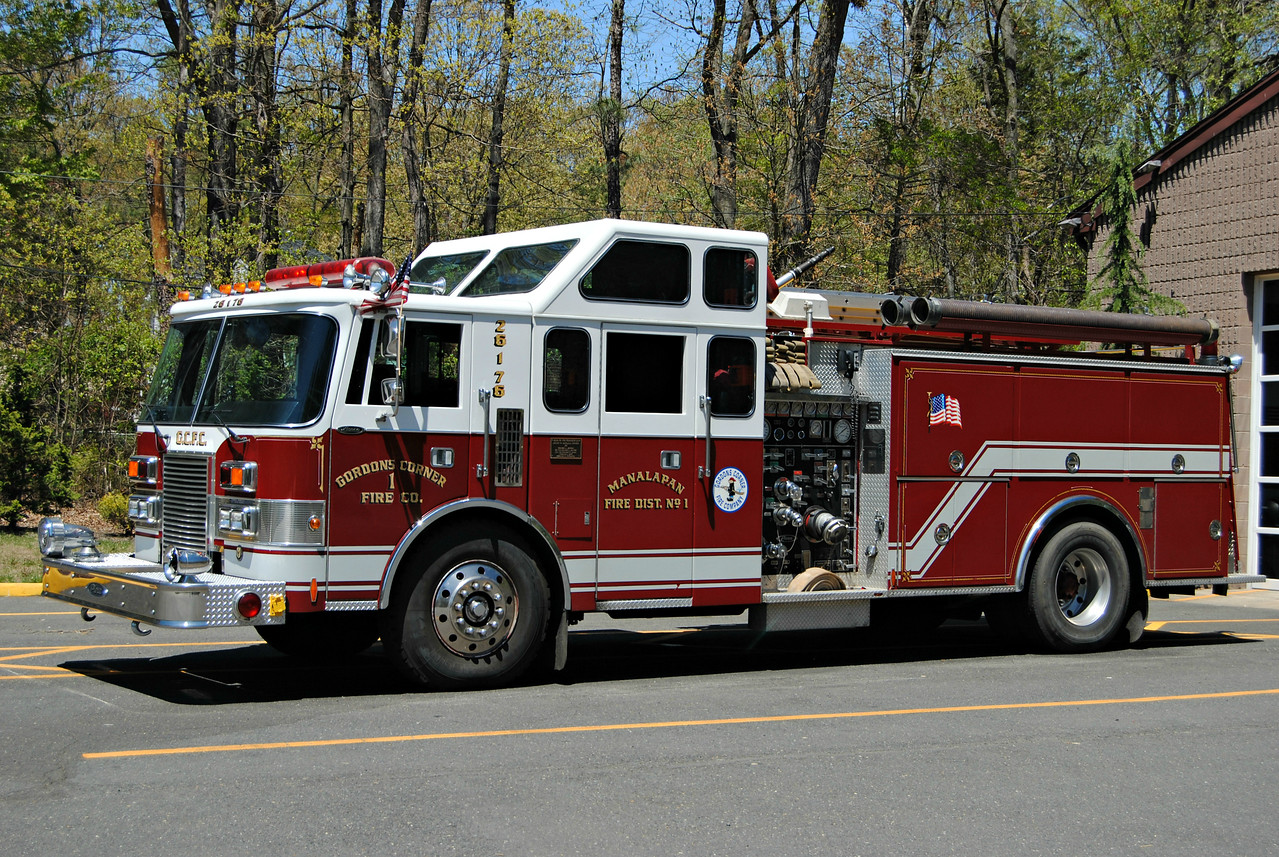 Ex-Gordons Corner Fire Company Engine 26-1-76
