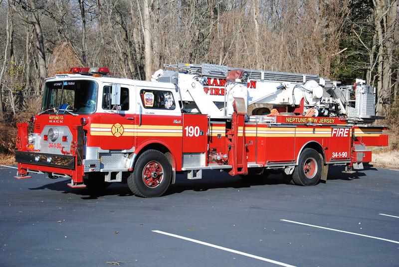 EX- Hamilton Fire Company Truck 34-1-90