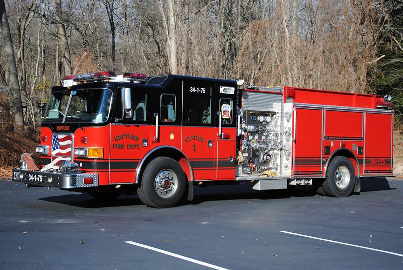Hamilton Fire Company Engine 34-1-75