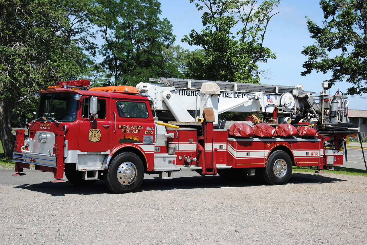 Highlands Fire Company, Highlands Ex-Ladder 17-90