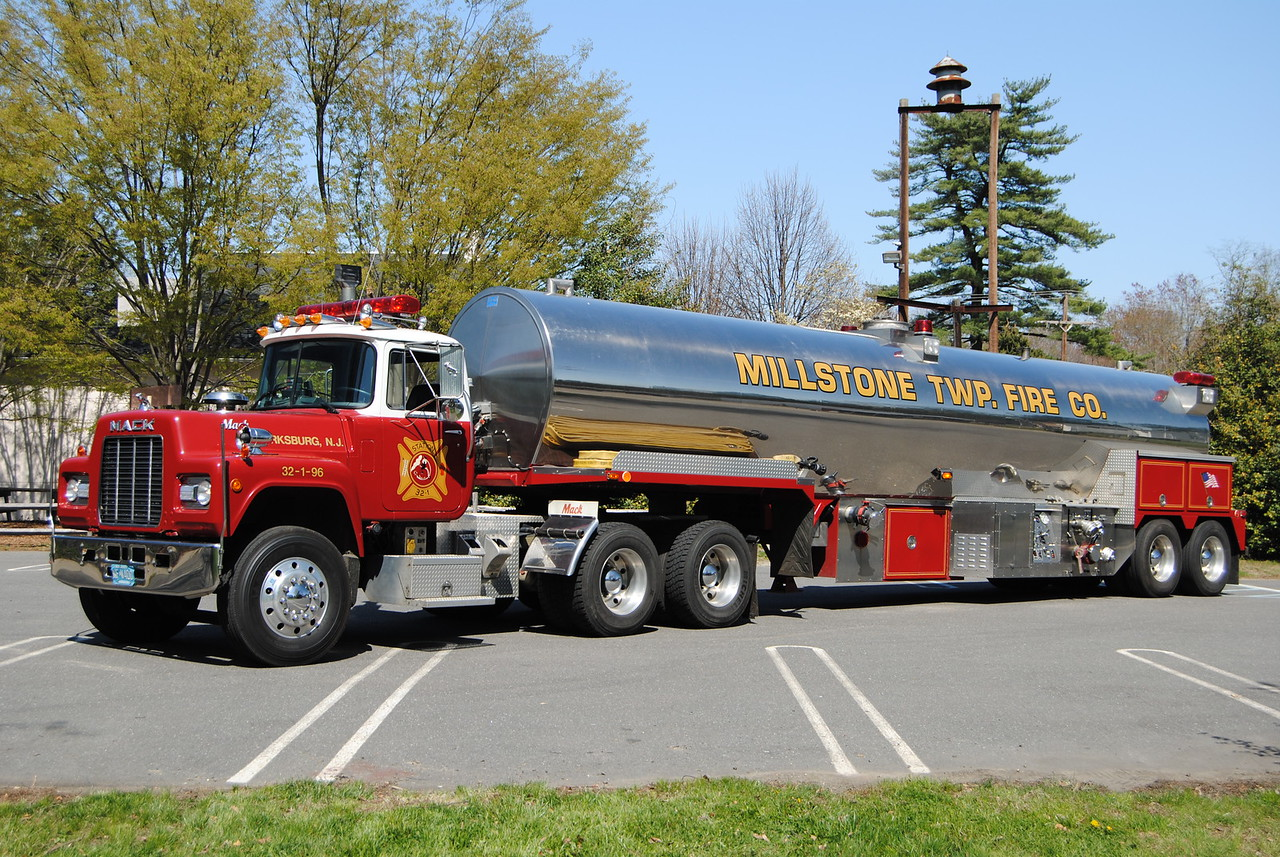 Millstone Twp Fire Company Tanker 32-96