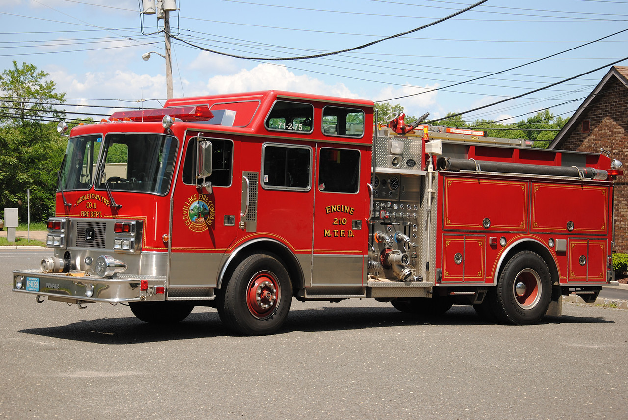 Old Village Fire Company, Middletown Twp Engine 71-2-75