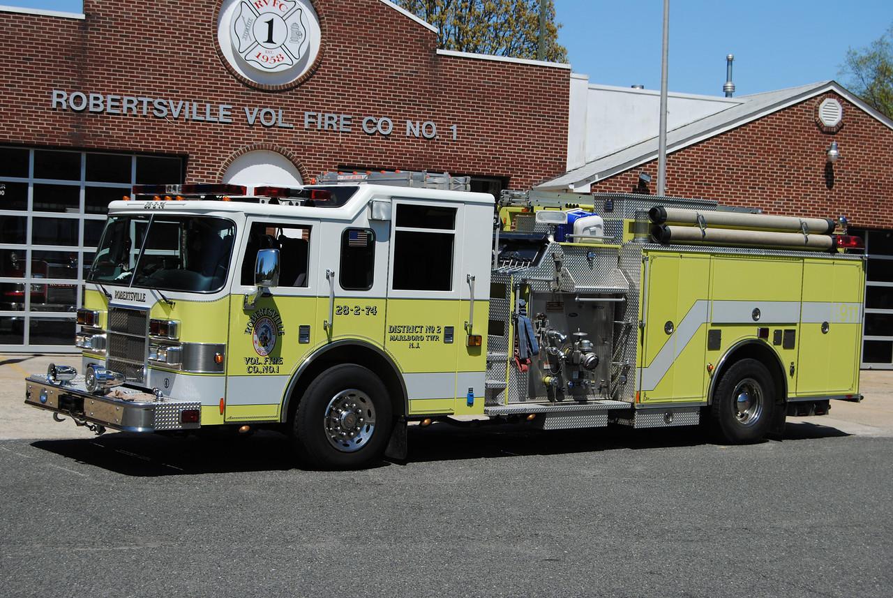Ex-Robertsville Fire Company Engine 28-2-74