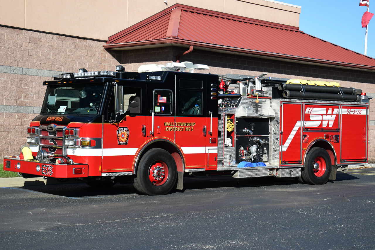 South Wall Fire & Rescue Engine 52-3-78