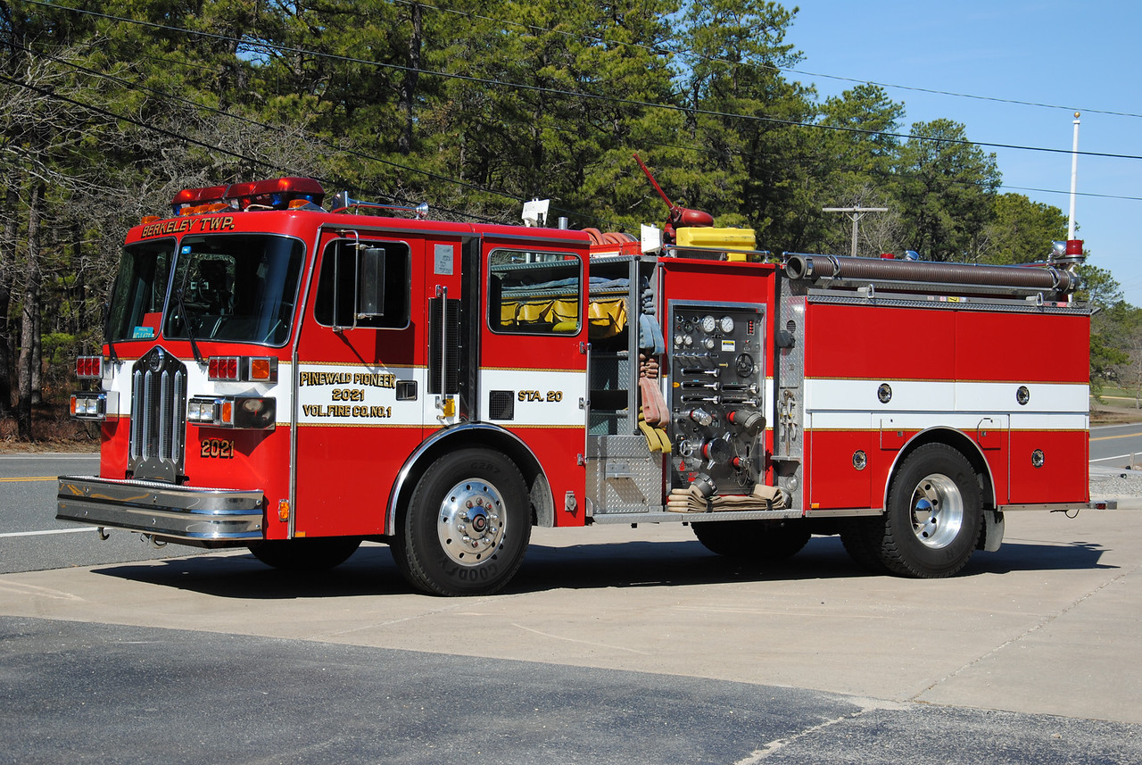 Ex-Pinewald Pioneer Fire Company Engine 2021