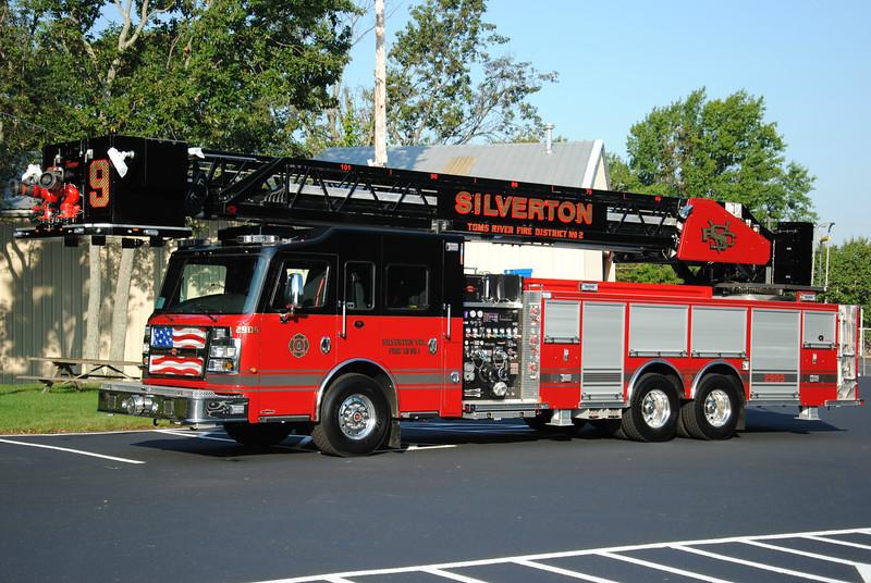 Silverton Fire Company Ladder 2905
