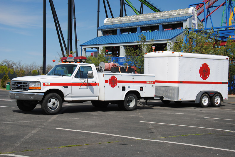 Six Flags Great Adventure Fire Department, Jackson Twp Brush 5817 w/ Support Trailer 5857