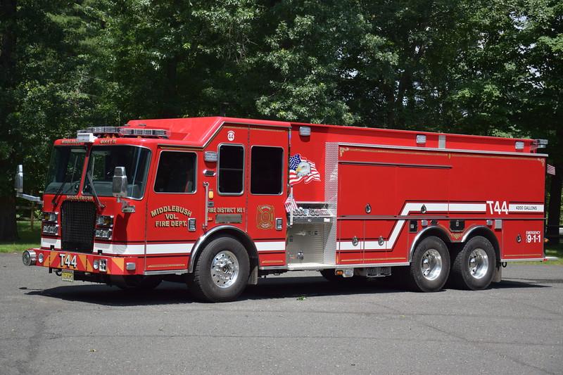 Middlebush Fire Department Tender 44