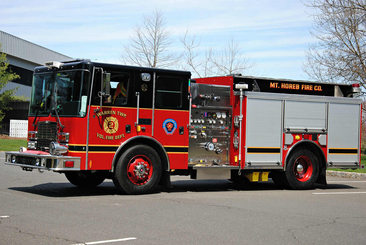 Mt Horeb Fire Company, Warren Twp Engine 61-102