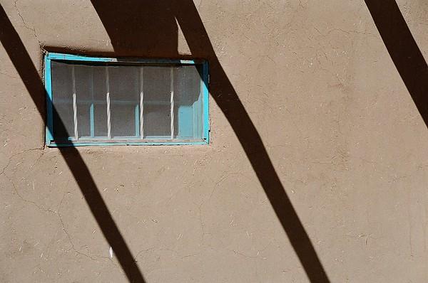 Ventana & Shadows