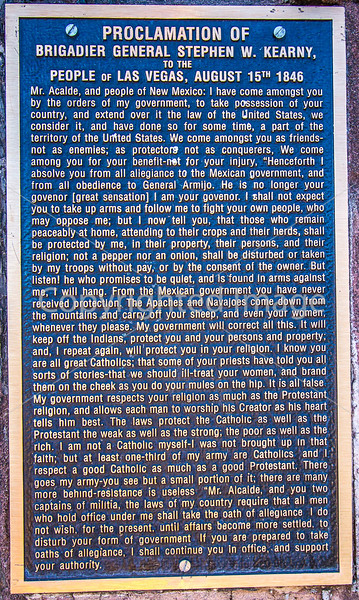 Plaque of Kearny's 1846 speech in downtown plaza in Las Vegas, NM - D4-C2-0485 - 72 ppi