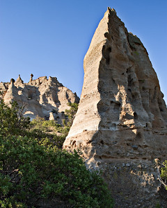 Cave Trail - Tertiary volcanic hoodoos -  Ignimbrites
