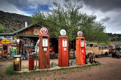 Vintage Gas Station, Embudo