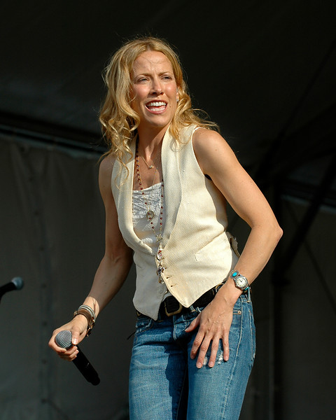 Sheryl crow performing at the New Orleans Jazz & Heritage Festival on April 25, 2008.
