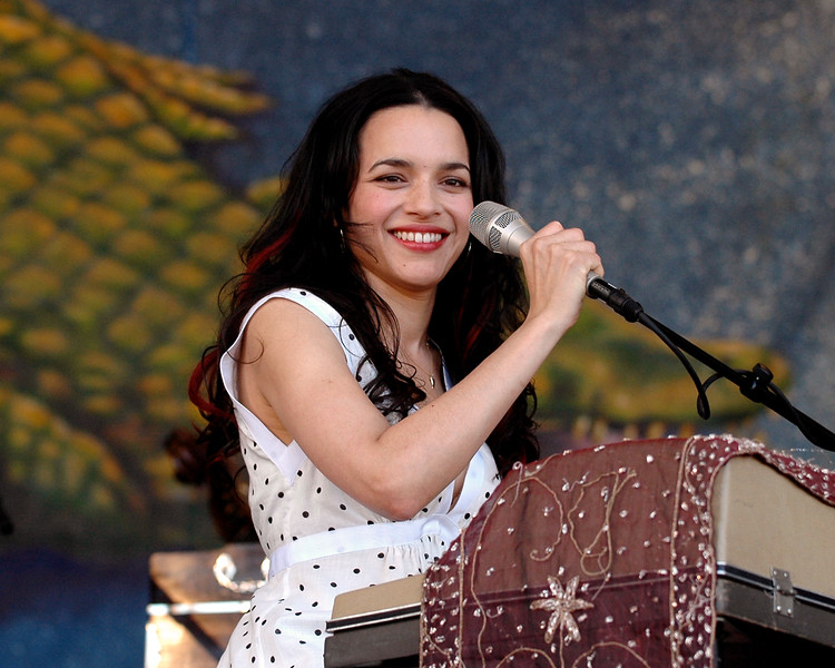 Norah Jones performs at the New Orleans Jazz & Heritage Festival on April 28, 2007.