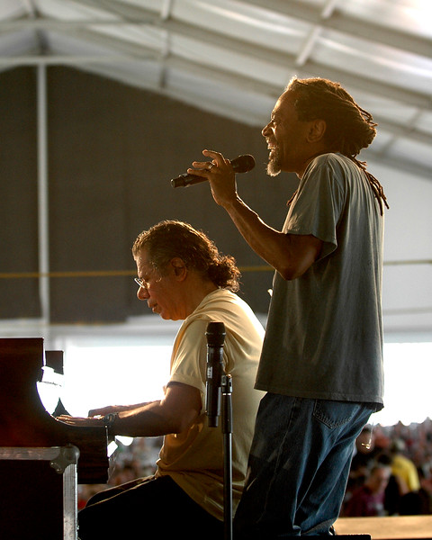 Chick Corea (l.) and Bobby McFerrin (r.) performing on stage at the New Orleans Jazz & Heritage Festival on May 3, 2008.
