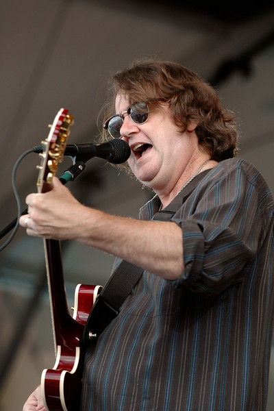 John Bell performs live on stage with Widespread Panic at the New Orleans Jazz & Heritage Festival on May 1, 2008.