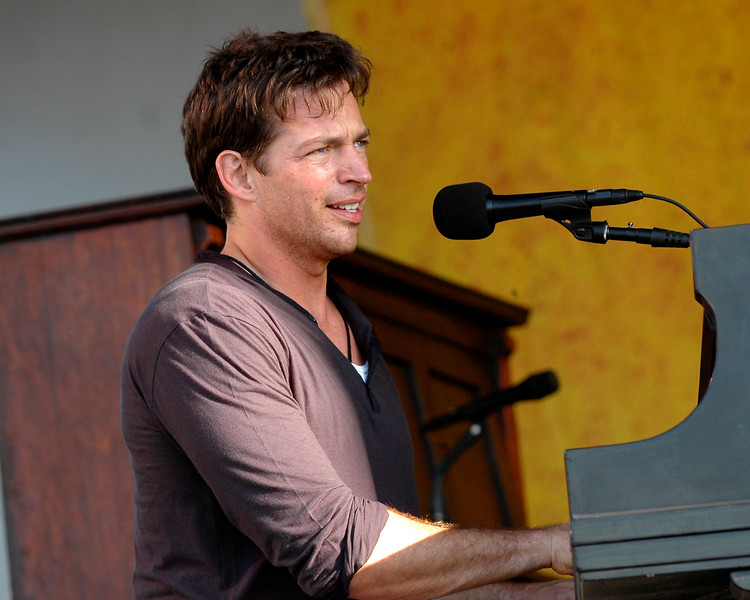 Harry Connick, Jr. performs at the New Orleans Jazz & Heritage Festival on May 6, 2007.