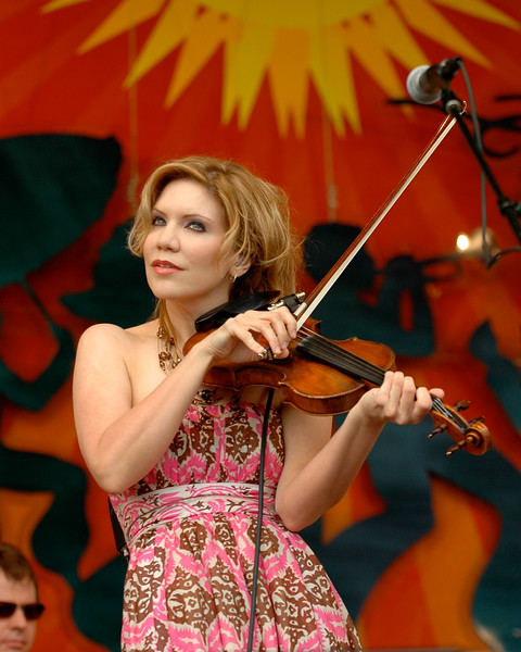 Alison Krauss performing with Robert Plant at the New Orleans Jazz & Heritage Festival on April 25, 2008.