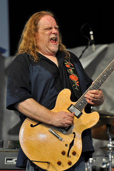 NEW ORLEANS, LA-May 5:  Warren Haynes performs at the New Orleans Jazz & Heritage Festival in New Orleans, LA on May 5, 2012. (Photo by Clayton Call/Redferns)