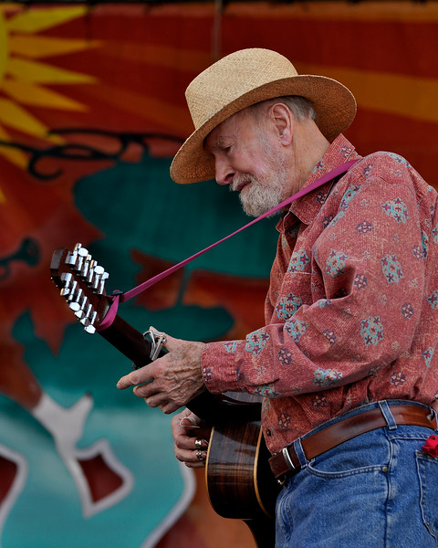 Pete Seeger performing live at the New Orleans Jazz & Heritage Festival on April 25, 2009.