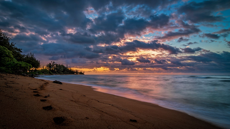 Pastel Pre-Sunrise South of Kapaʻa, Kauai