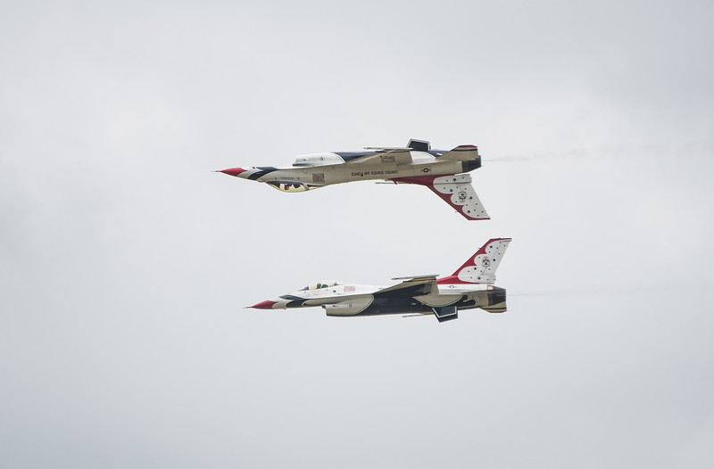 The United States Air Force Thunderbirds -  F16 Fighting Falcons -  CALYPSO PASS