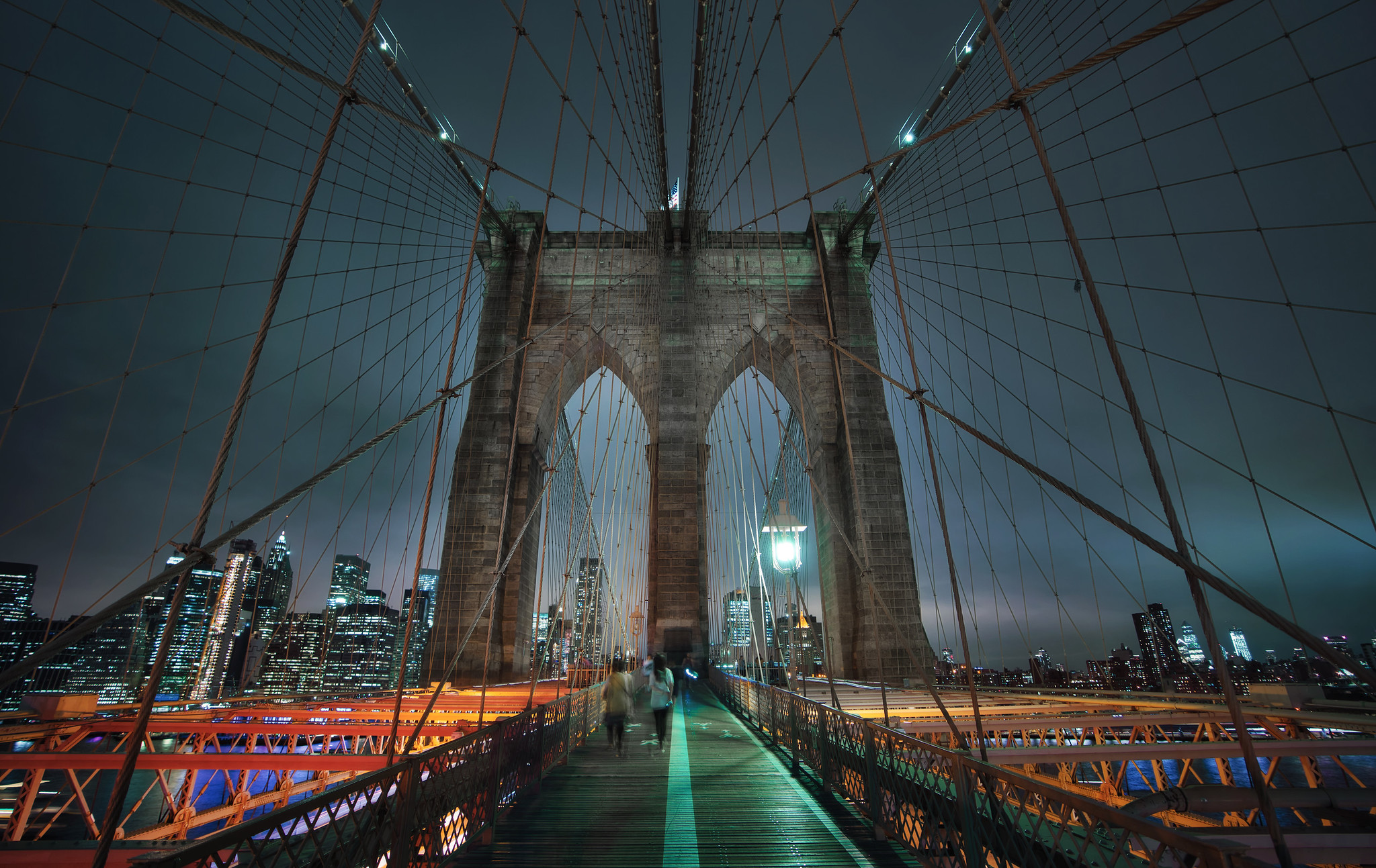 Strolling on the Brooklyn Bridge
