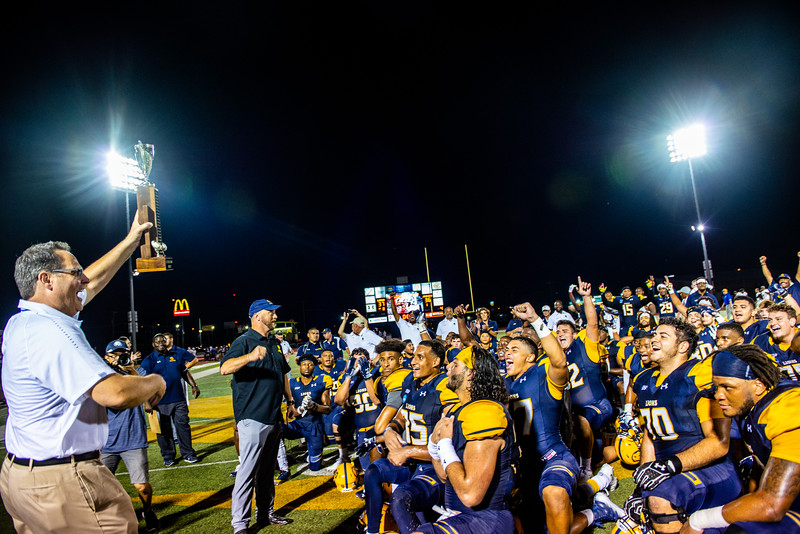 M18234-Football vs Texas AM - Kingsville -4799edit