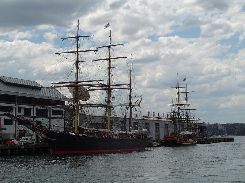 James Craig and Bounty replica @ Maritime museum pier