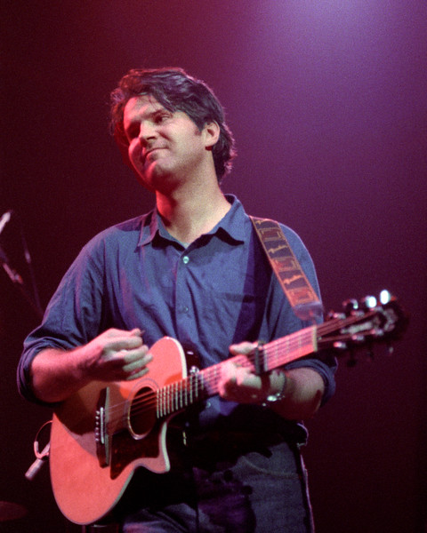 Lloyd Cole performs at the Warfield Theater in San Francisco on July 16, 1990.