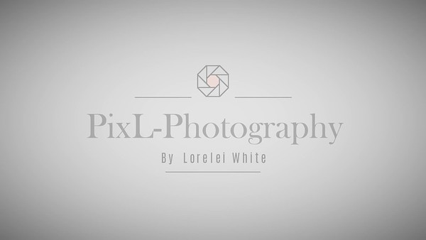 Posing with PixL-Photography