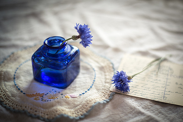 Aug 6 - Bachelor Blues<br /> <br /> Some pretty blue glass to go with those Bachelor Button Flowers