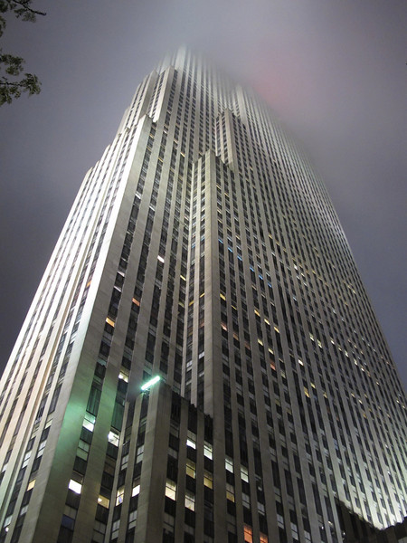 30 Rockefeller Center, the top obscured by the OVC005 -RA BR that descended on New York a few hours after we arrived.