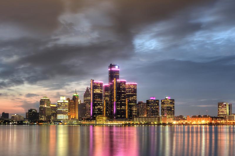 Detroit wears pink