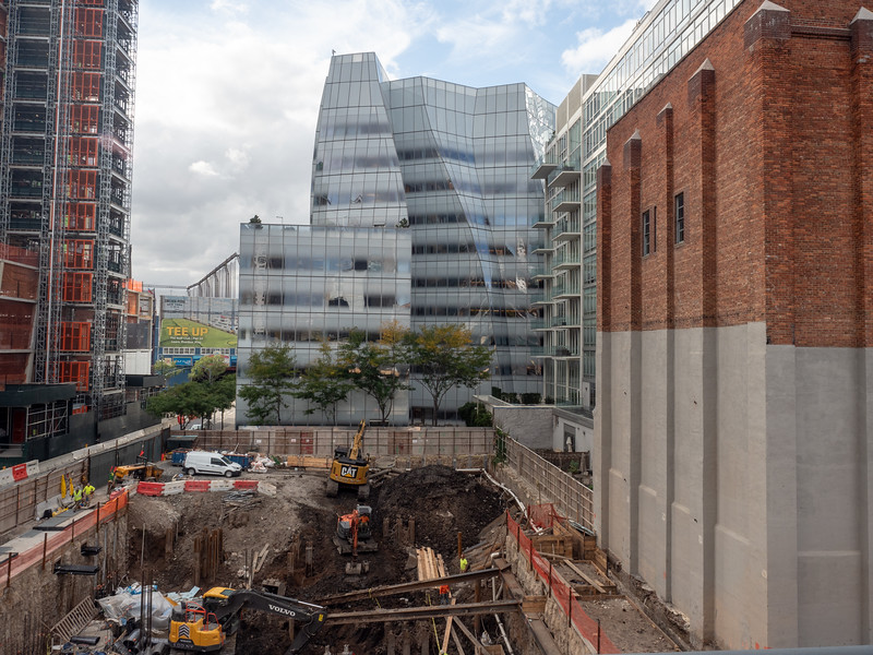 Another hole for a new building on the High Line