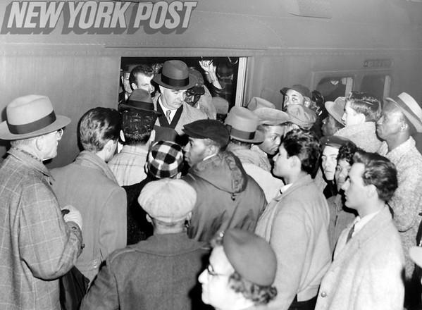 Subway station traffic at the Hudson Terminal 1957