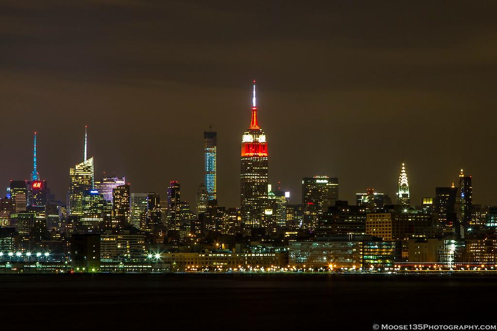 IMAGE: http://www.moose135photography.com/New-York-City/Around-The-City/i-sk5fw8q/0/XL/JM_2014_11_22_NYC_002-XL.jpg