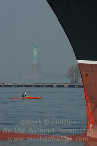 QM2 Bow with Statue