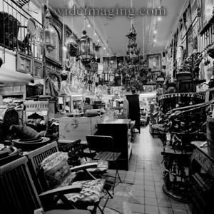 The Istanbul Grand Bazaar (236 5'th Avenue) July 2000.