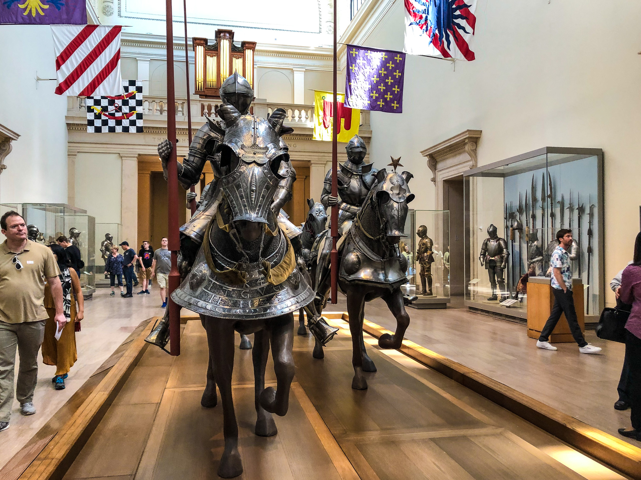 tips for visiting the metropolitan museum of art: see all the armor