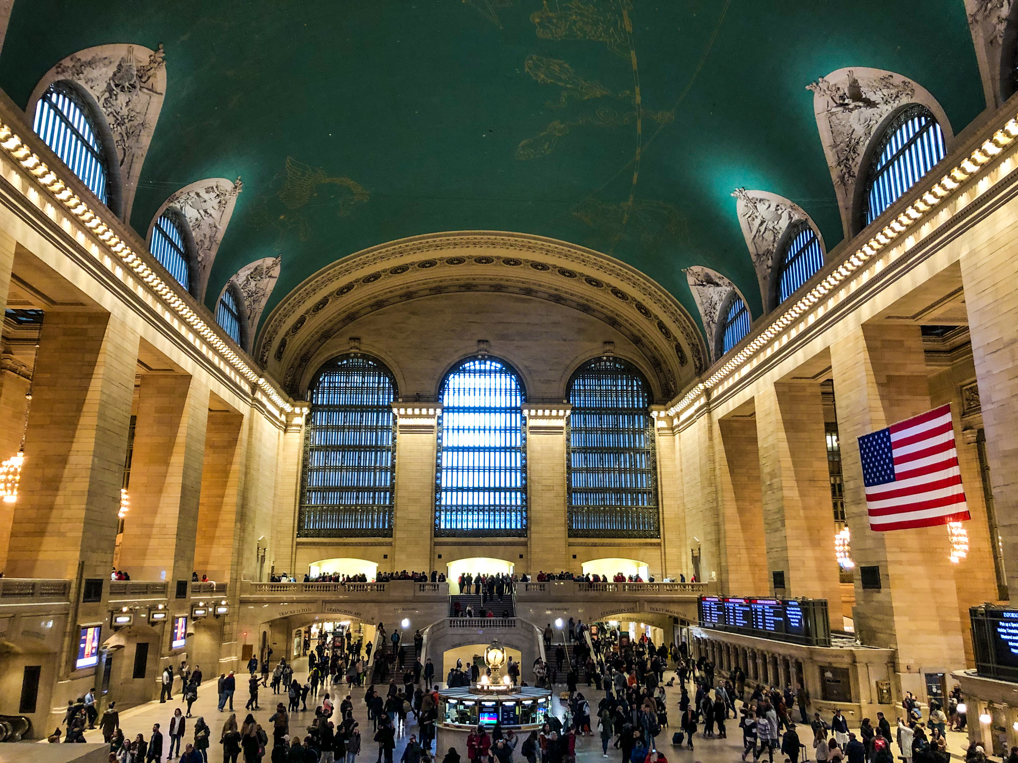 planning a trip to new york city in december: avoid the crowds at grand central